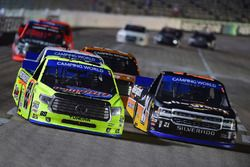 Matt Crafton, ThorSport Racing Toyota, Johnny Sauter, GMS Racing Chevrolet
