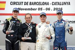 Podio: il primo classificato Dorian Boccolacci, Teo Martin Motorsport; il secondo classificato Ferdi