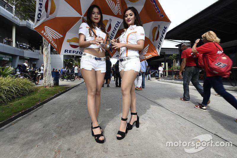 Чарівні дівчата Repsol Honda Team