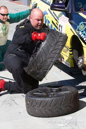 Daniel Flanagan, Merrick Malouf, Holden VY-HSV GTS mechanic at work