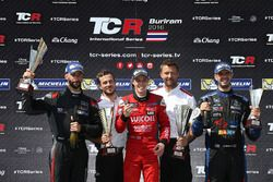 Podium: 1. James Nash, Team Craft-Bamboo, SEAT León TCR; 2. Mikhail Grachev, West Coast Racing, Hond