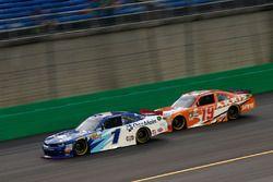 Elliott Sadler, JR Motorsports Chevrolet, Daniel Suarez, Joe Gibbs Racing Toyota