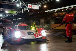 #44 Manor, Oreca 05 Nissan: Tor Graves, Matthew Rao, Roberto Merhi