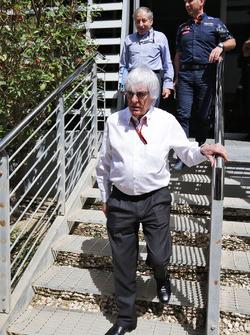Bernie Ecclestone, Jean Todt, Presidente de la FIA y Christian Horner, jefe de equipo de carreras de