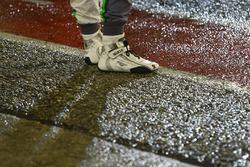 Les chaussures d'un pilote Bentley