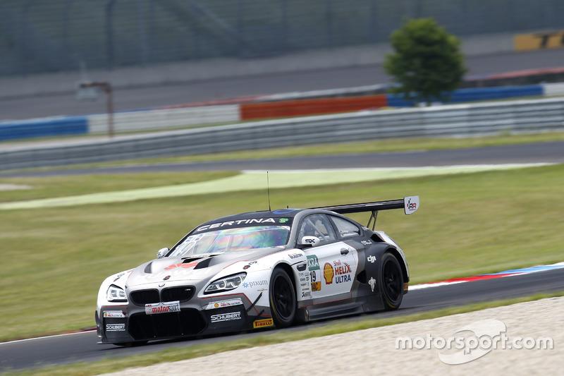 #19 Schubert Motorsport, BMW M6 GT3: Claudia Hürtgen, Niklas Mackschin