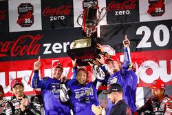 Podium : les vainqueurs Team: Katsuyuki Nakasuga, Pol Espargaro, Alex Lowes (#21 Yamaha Factory Racing)