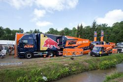 KTM-fabrieksteam in de paddock