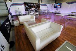 Una zona de hospitality en el evento de celebración del aniversario 40 de Williams en Silverstone