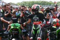 Ganador, Jonathan Rea, Kawasaki Racing saluda a su hijo