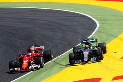 Sebastian Vettel, Ferrari SF70H, battles, Lewis Hamilton, Mercedes AMG F1 W08