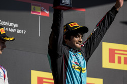 Podium: race winner Arjun Maini, Jenzer Motorsport