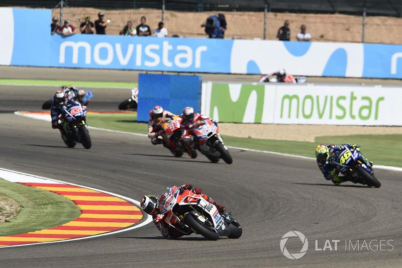 Jorge Lorenzo, Ducati Team, lideró desde el inicio y durante muchas vueltas el Gran Premio de Aragón de 2017