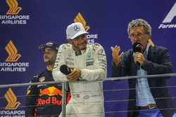 Podium: race winner Lewis Hamilton, Mercedes AMG F1, second place Daniel Ricciardo, Red Bull Racing and Eddie Jordan