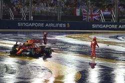 Crash: Max Verstappen, Red Bull Racing RB13 und Kimi Raikkonen, Ferrari SF70H