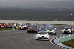 Start action, Davit Kajaia, GE-Force, Alfa Romeo Giulietta TCR leads