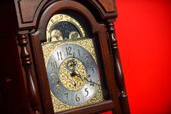 El famoso reloj en Martinsville