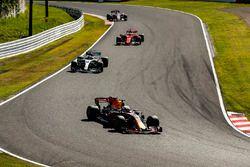 Daniel Ricciardo, Red Bull Racing RB13, Valtteri Bottas, Mercedes AMG F1 W08, Sebastian Vettel, Ferr