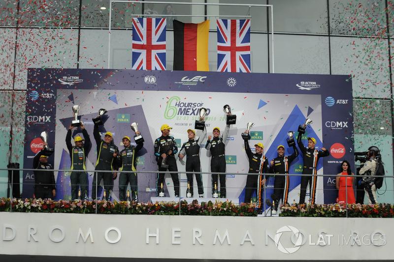 Подиум в GTE Am: победители Кристиан Рид, Маттео Кайроли и Марвин Динст, Dempsey Proton Competition,