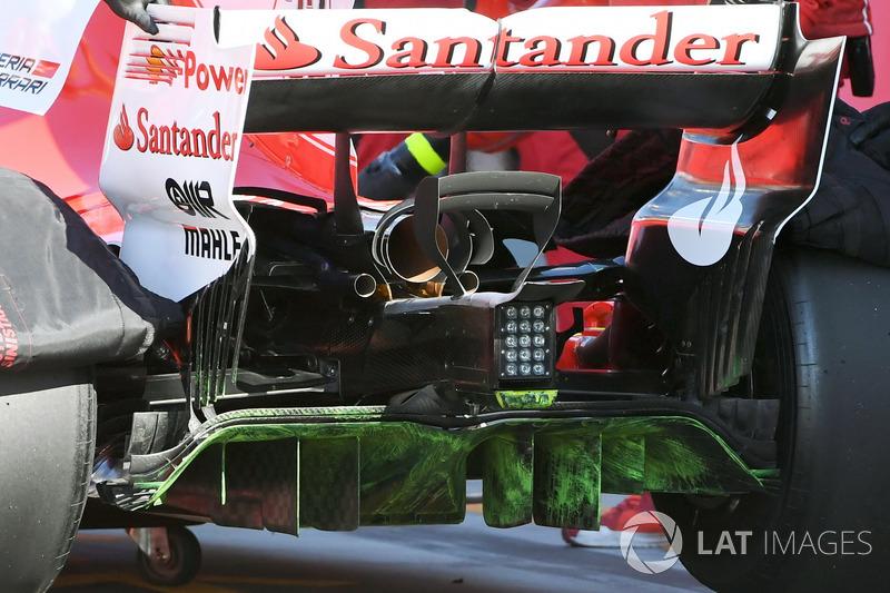 Du flow-vis sur le diffuseur de la Ferrari SF70H