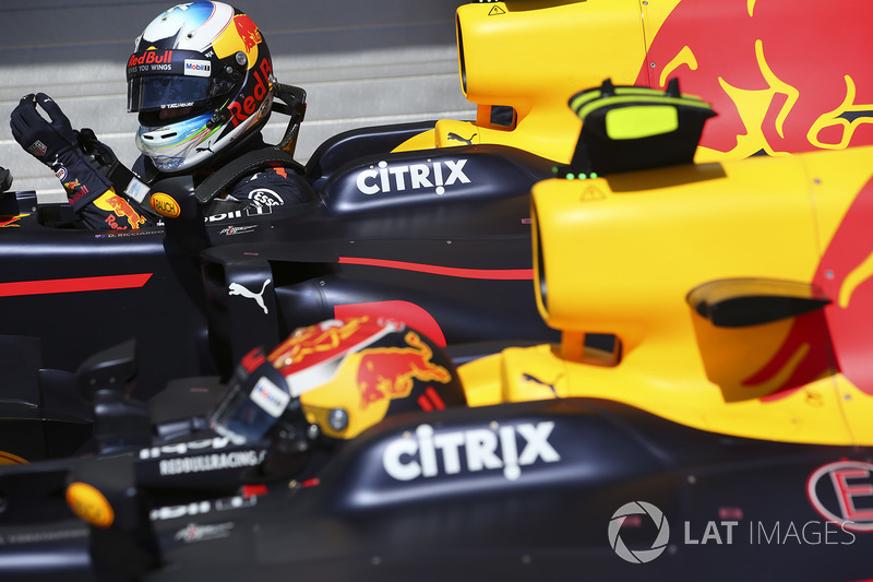 Max Verstappen, Red Bull, Daniel Ricciardo, Red Bull Racing, en Parc Ferme
