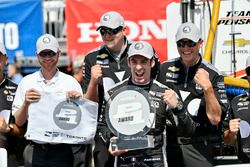 Simon Pagenaud, Team Penske Chevrolet fête sa pole position