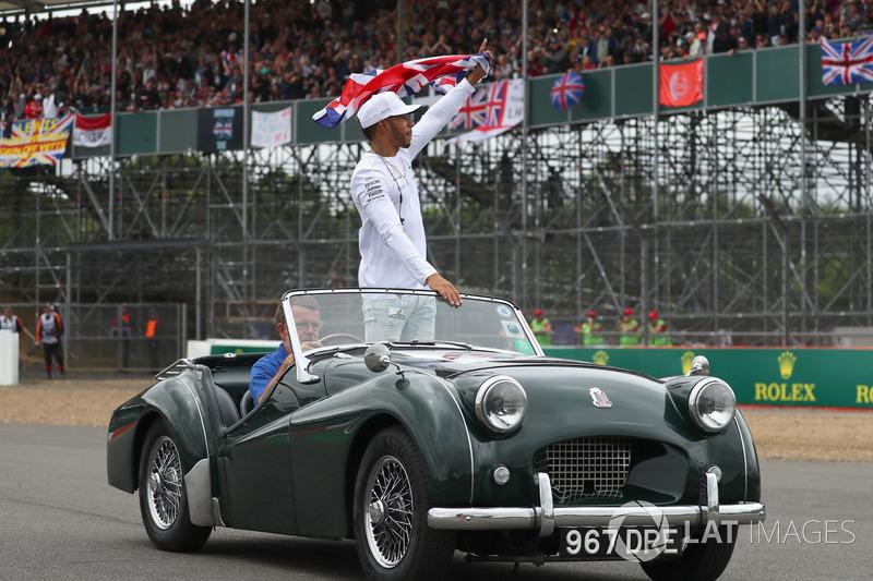 Lewis Hamilton, Mercedes AMG F1 en el desfile de piloto