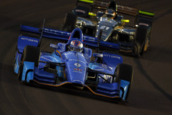 Scott Dixon, Chip Ganassi Racing, Honda; J.R. Hildebrand, Ed Carpenter Racing, Chevrolet