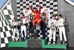 Podio: i vincitori della gara Daniel Mancinelli, Andrea Montermini, TR3 Racing, al secondo posto Mic