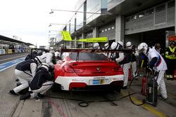 Pit stop, #42 BMW Team Schnitzer, BMW M6 GT3: Marco Wittmann, Tom Blomqvist, Martin Tomczyk