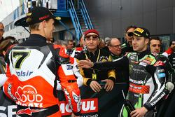 Chaz Davies, Ducati Team, Jonathan Rea, Kawasaki Racing confrontation in parc ferme