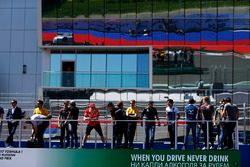 Vitaly Petrov, Jolyon Palmer, Renault Sport F1 Team, Romain Grosjean, Haas F1 Team, Sergio Perez, Fo