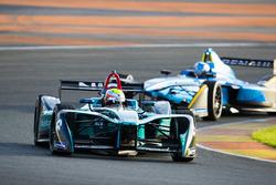 Oliver Turvey, NIO Formula E Team leads Nicolas Prost, Renault e.Dams