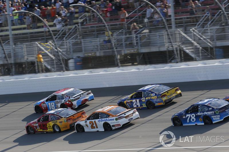 Kyle Larson, Chip Ganassi Racing Chevrolet Kyle Busch, Joe Gibbs Racing Toyota Ryan Blaney, Wood Bro