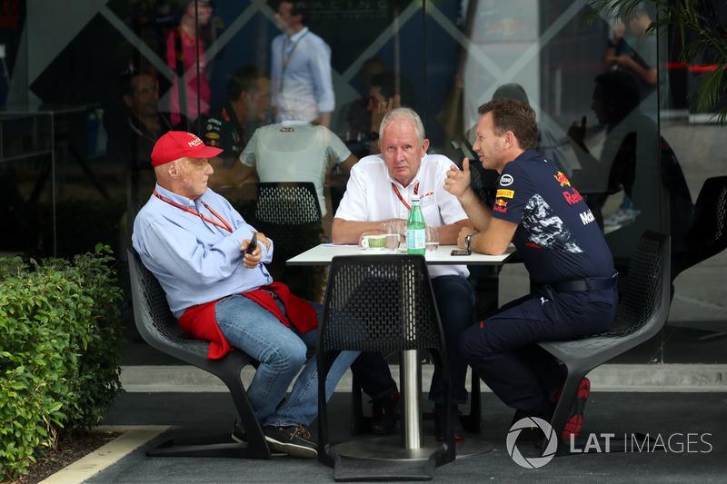 Niki Lauda, Presidente Non-Esecutivo Mercedes AMG F1, Christian Horner, Team Principal Red Bull Racing e il Dr. Helmut Marko, Consulente Motorsport Red Bull Racing