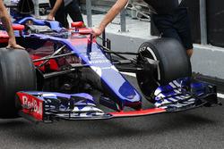 Новий ніс Scuderia Toro Rosso STR12
