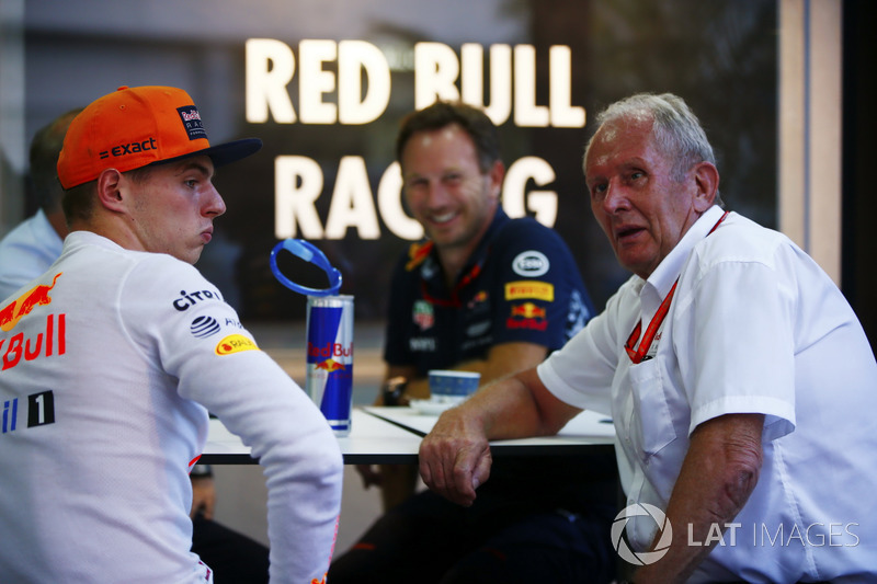 Max Verstappen, Red Bull Racing, Christian Horner, Team Principal, Red Bull Racing and Helmut Markko, Consultant, Red Bull Racing, relax after qualifying