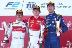 Podium: winnaar Charles Leclerc, PREMA Powerteam, second tweede Nyck De Vries, Rapax, derde Nicholas
