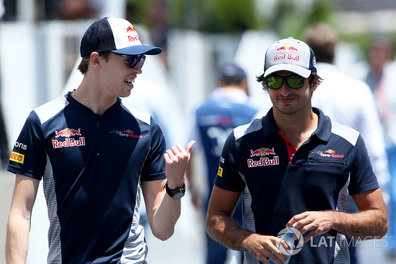 Daniil Kvyat, Scuderia Toro Rosso. Carlos Sainz Jr., Scuderia Toro Rosso