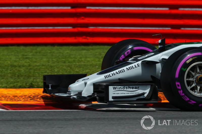 Носовой обтекатель и переднее антикрыло Haas F1 Team VF-17 Ромена Грожана
