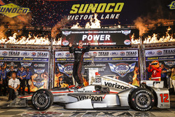 Winner Will Power, Team Penske Team Penske Chevrolet celebra en Victory Lane