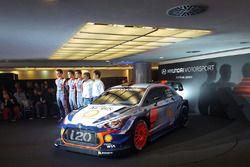 Hayden Paddon, Dani Sordo, Thierry Neuville und der Hyundai i20 Coupé WRC