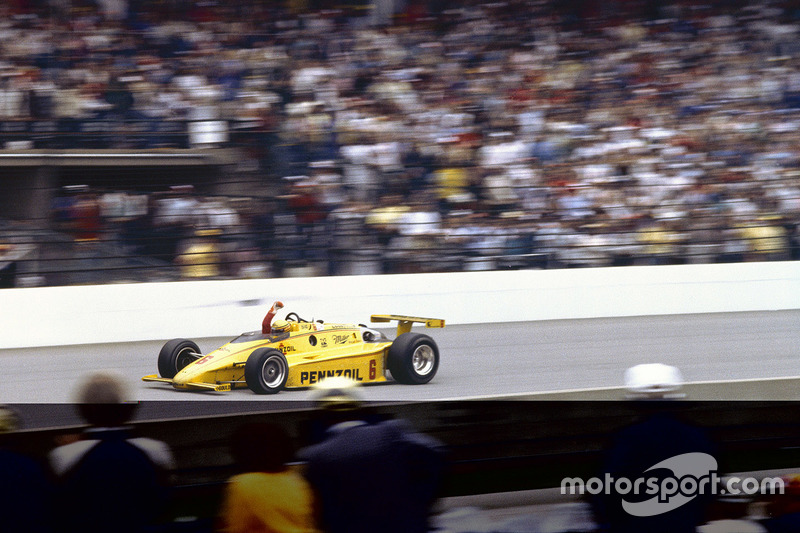 #68 Rick Mears 1984