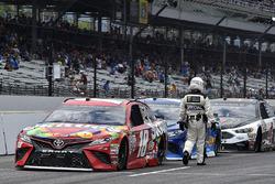 Kyle Busch, Joe Gibbs Racing Toyota, Martin Truex Jr., Furniture Row Racing Toyota, Kevin Harvick, S