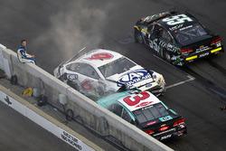 Crash: Trevor Bayne, Roush Fenway Racing Ford, Austin Dillon, Richard Childress Racing Chevrolet, Gr