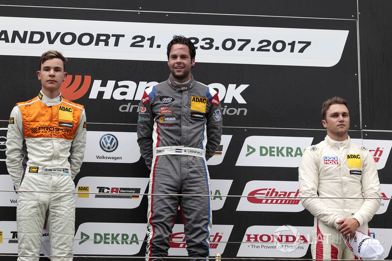 Podium: 1. Niels Langeveld, Racing One, Audi RS3 LMS, 2. Sheldon van der Linde, Prosport Performance, Audi RS3 LMS, 3. Jason Wolfe, Liqui Moly Team Engstler, VW Golf GTI TCR