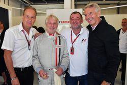 Kevin Eason, F1 Experiences 2-Seater passenger, Paul Stoddart, Tony Gardine