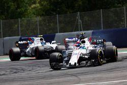 Felipe Massa, Williams FW40, Carlos Sainz Jr., Scuderia Scuderia Toro Rosso STR12, Lance Stroll, Wil