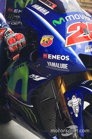 Maverick Viñales, Yamaha Factory Racing, alette all'interno della carena della M1