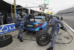 La #15 3GT Racing Lexus RCF GT3: Dominik Farnbacher, Robert Alon, Jack Hawksworth, Austin Cindric aux stands